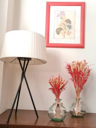 Jarrones con flor seca y preservada